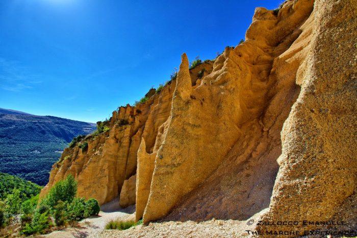 """Trekking nella """"Cappadocia"""" delle Marche – 13 maggio"""